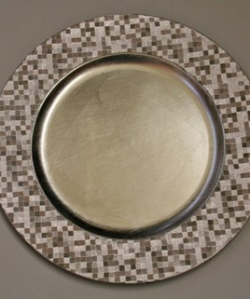 Round Silver With Silver Square Pattern Under Plate 33 cm BP012