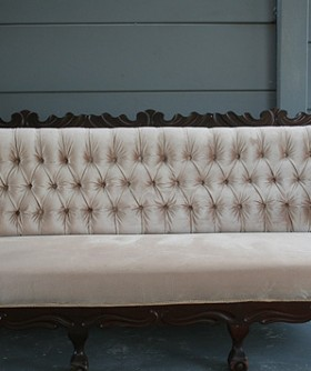 Antique Cream 3 Seater Couch 081