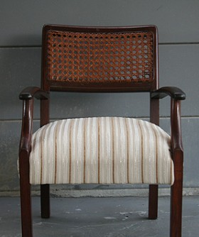 Antique Cream Striped Seat Chair 099