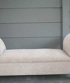 Cream-Pattened-Demask-Chaise-080