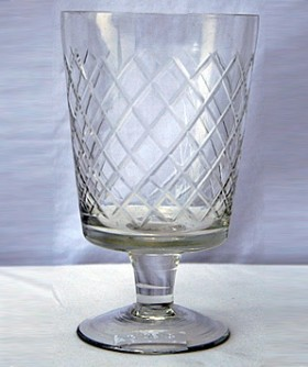 Glass Footed Candle Holder 9 x 14 cm CL095